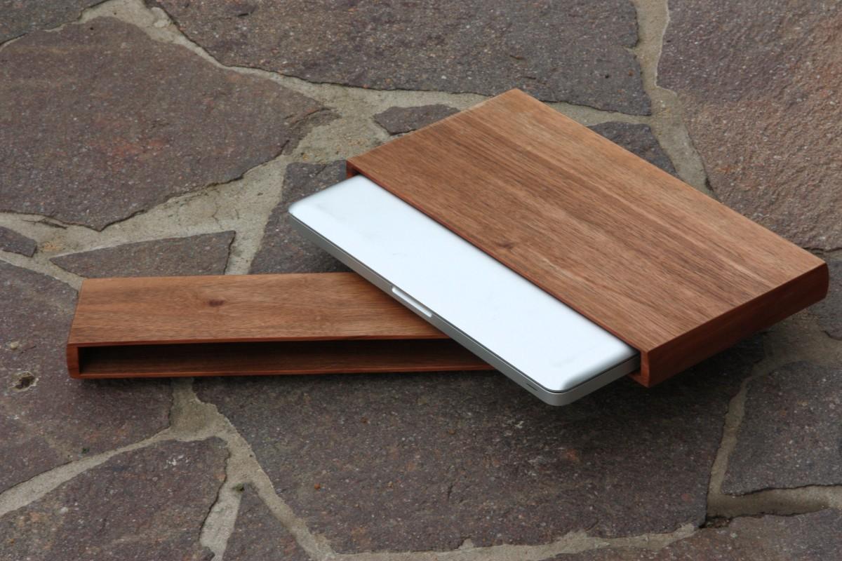 Wooden case for Macbook Pro
